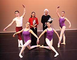 Senior Mabel Ryan Award Winners with Adjudicators Terry Wright and Mary Stassinopoulos (Photo by Elaine Mayson)